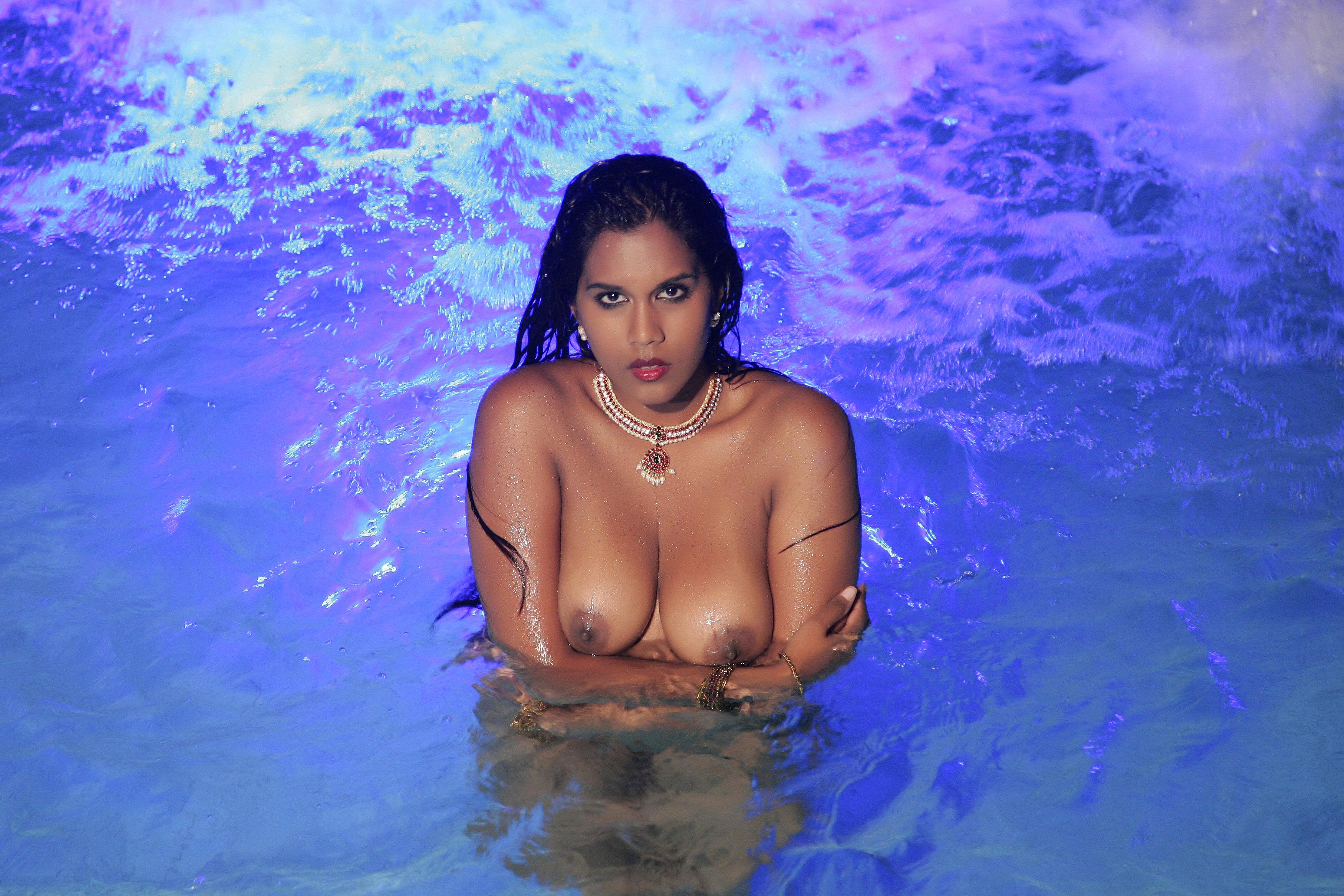 Babe bollywood nude photo